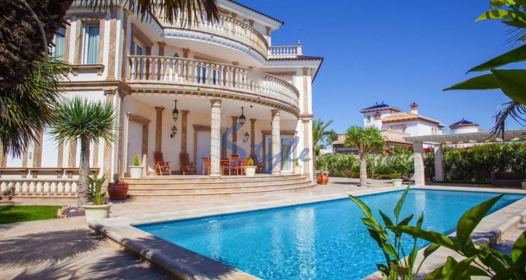 Элитные дома в испании дома в дубае самые красивые фото