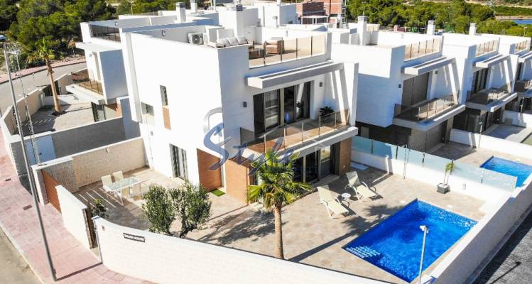 New build villa for sale in Villamartin