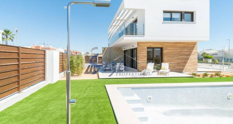 Buy villa in Costa Blanca South close to the beach. ID ON1113