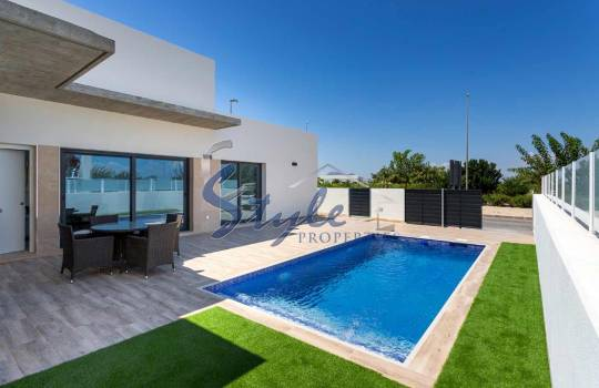 дома в испании на берегу моря снять